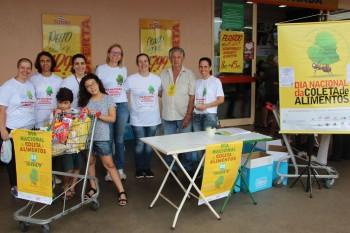 Voluntarios Dia Nacional Coleta Alimentos 2017 (1)